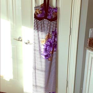 EUC maxi dress in size 6